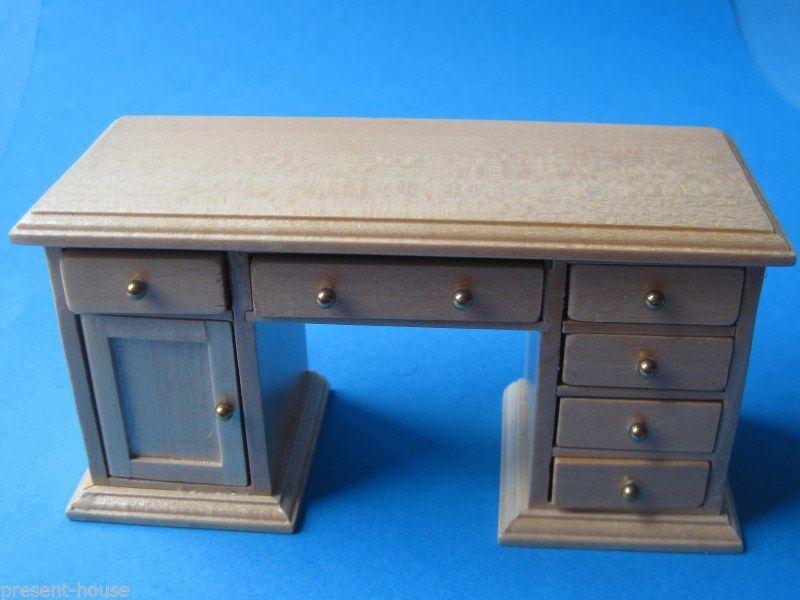schreibtisch eiche hell puppenhaus m bel miniaturen 1 12. Black Bedroom Furniture Sets. Home Design Ideas