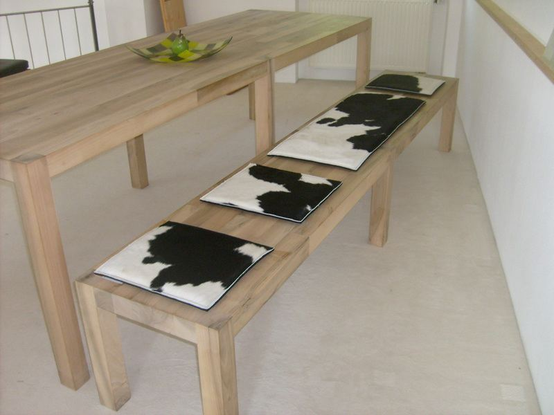 sitzauflagen cow stuhlauflagen aus filz und kuhfell zweifarbig bei tischlerei. Black Bedroom Furniture Sets. Home Design Ideas