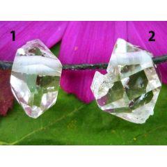 Bergkristall, klarer Kristall gebohrt