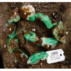 Chrysopras in Matrix, Rohsteinbrocken, poliert, gebohrt