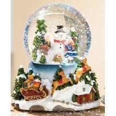 Schüttelkugel mit Spieluhr Winterlandschaft mit Wechsel-LED, 18 cm