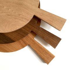 rundes Holzbrett mit Griff