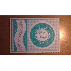 Einladungskarte mit Glitterfischen und kariertem Papier