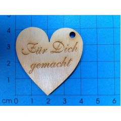 """Geschenkanhänger Herz 40 mm """"Für Dich gemacht"""" graviert; mit 3mm Loch"""
