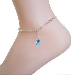 Fußkette aus 925 Silber mit Swarovski® Kristall Tropfen in der Farbe Aquamarin.