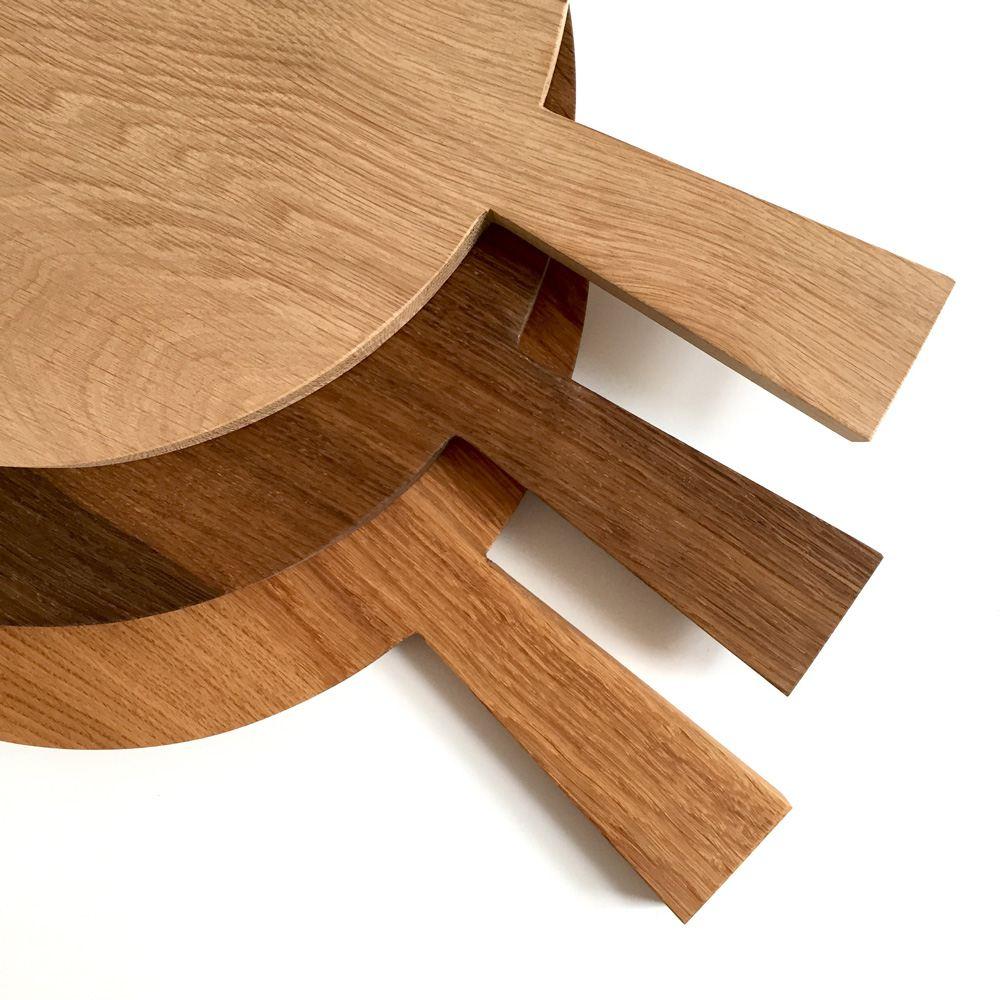 rundes holzbrett mit griff f r kuchen w hen oder vesper. Black Bedroom Furniture Sets. Home Design Ideas