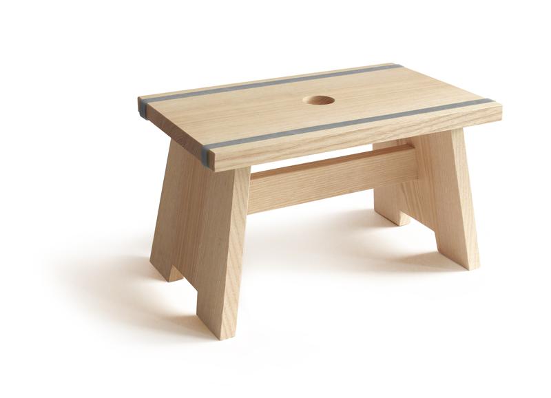 sidebyside design fu schemel little stool aus holz lafeo. Black Bedroom Furniture Sets. Home Design Ideas